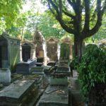 L'éternel féminin au cimetière Montmartre !