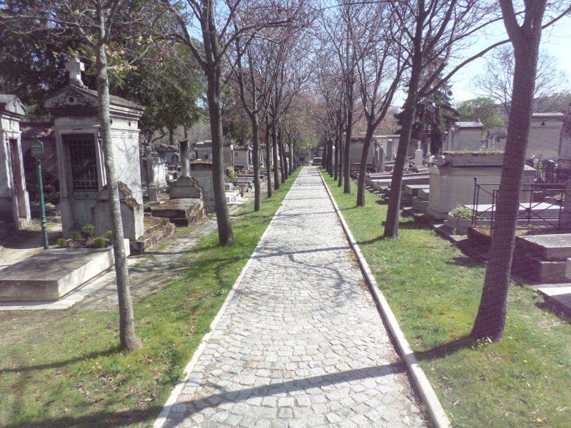 Humour et esprit au cimetière Montparnasse ! (Sans réservation).