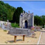 Qui repose à Saint-Benoît-la-Forêt (37) ?