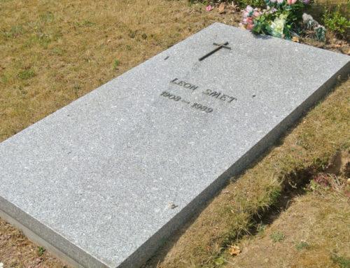 6 décembre 2017 : à Bruxelles, la tombe du père de Johnny, Léon Smet.