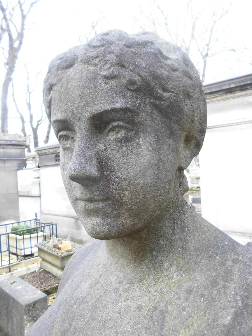 Buste de Marie Roze