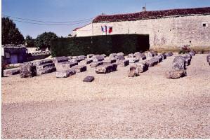L'alignement des sarcophages