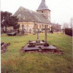 L'église et le cimetière d'Aubry-le-Panthou