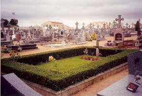 Tombe de Louis de Funès