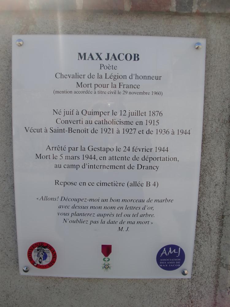 Saint Benoît sur Loire Mur extérieur du cimetière